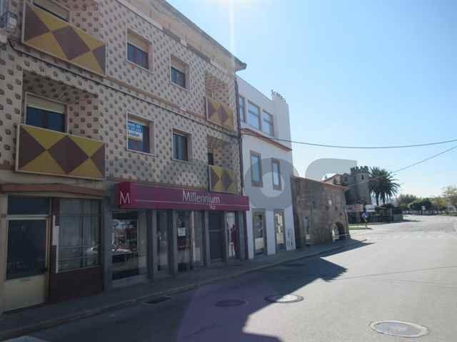 Building, Figueira de Castelo Rodrigo - 115602